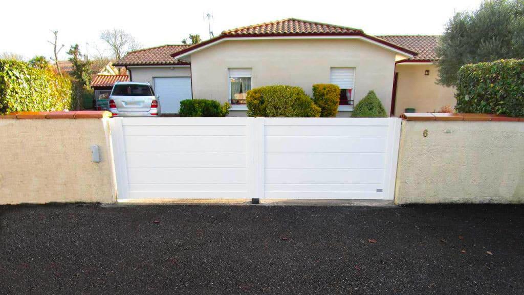 biganos-portail-battant-blanc