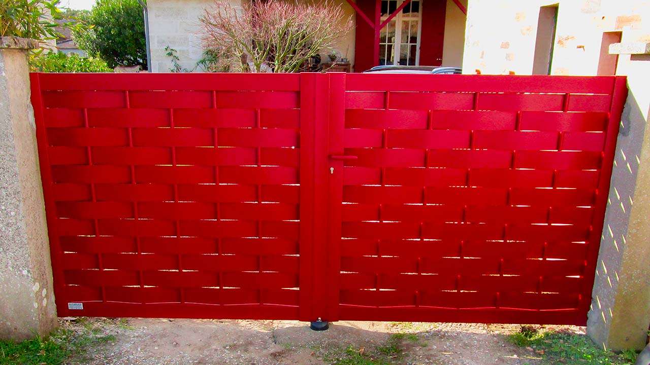 portail-battant-soulac-rouge