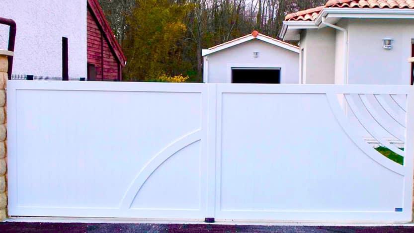 portail-battant-taussat-blanc